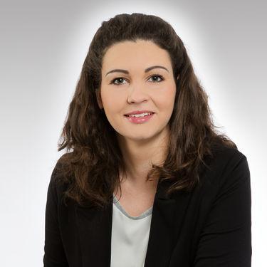 Mrs Nadine Zeffler-Kockott