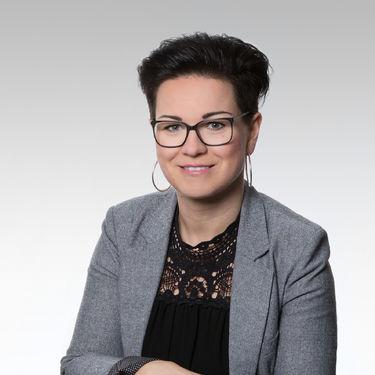 Pani Annika Dubrau